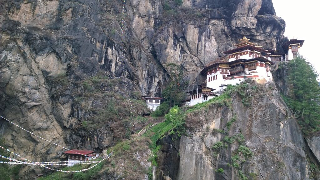 Following are some of the hikes we recommend during your tour in Bhutan.: